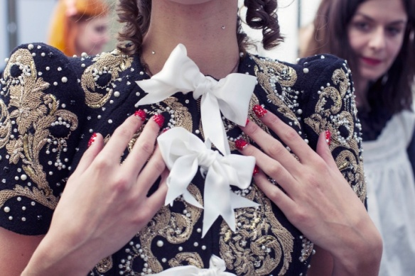 meadham-kirchhoff-rtw-ss2013-candids-05_180546728570.jpg_carousel_parties