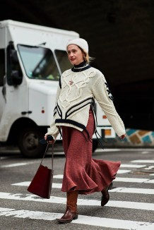 new-york-fall-2018-street-style-black-white-sweater-burgundy-skirt-brown-cowboy-boots